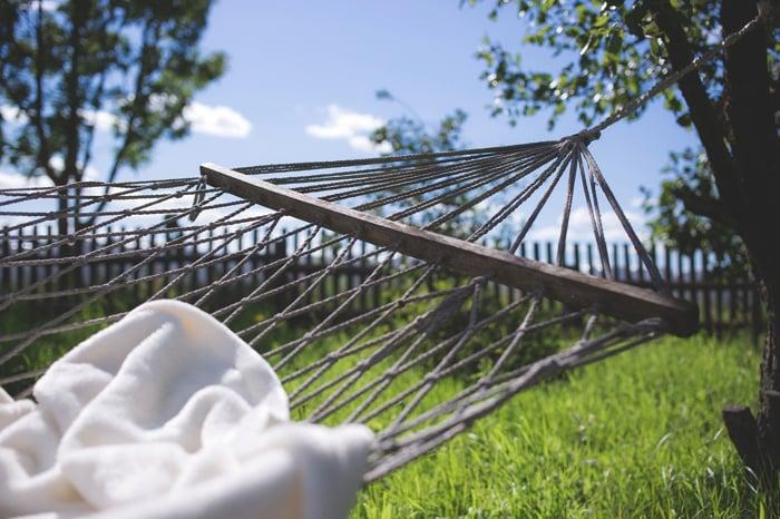 20 Totally Comfy Backyard Hammock Décor Ideas