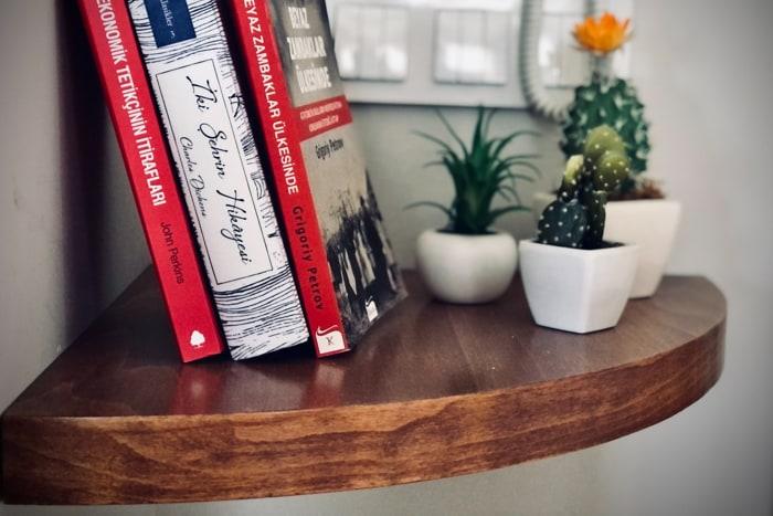 20 Brilliant Corner Shelf Ideas