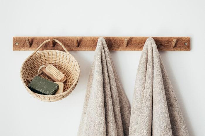 20 Unbelievable Practical DIY Towel Storage Ideas